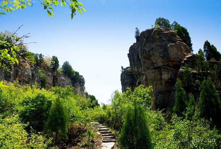 奇山异石 金锁石林