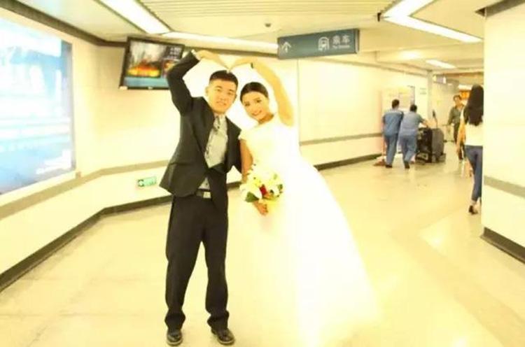 地铁迎亲――铜川小伙不一样的婚礼